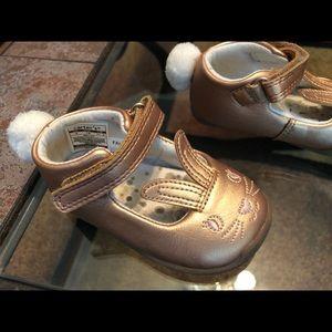 2/$20 Bunny Rabbit Shoes Size 4.5c